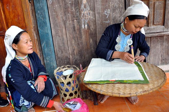 Ngao du non nước nơi có thác Bản Giốc, bất ngờ những làng nghề truyền đời sau